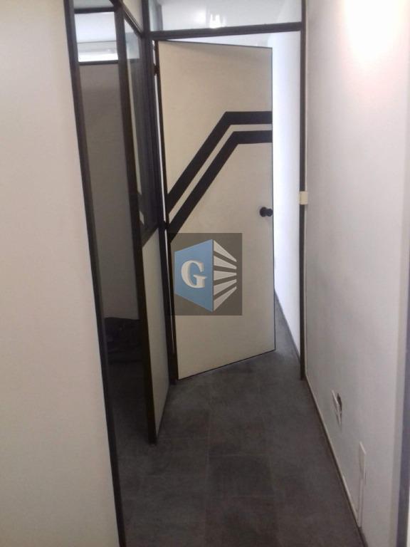 otima sala , pronta para trabalhar, otima localização.serve diversas atividades.dividida em 03 ambientes.valor do condomínio e...