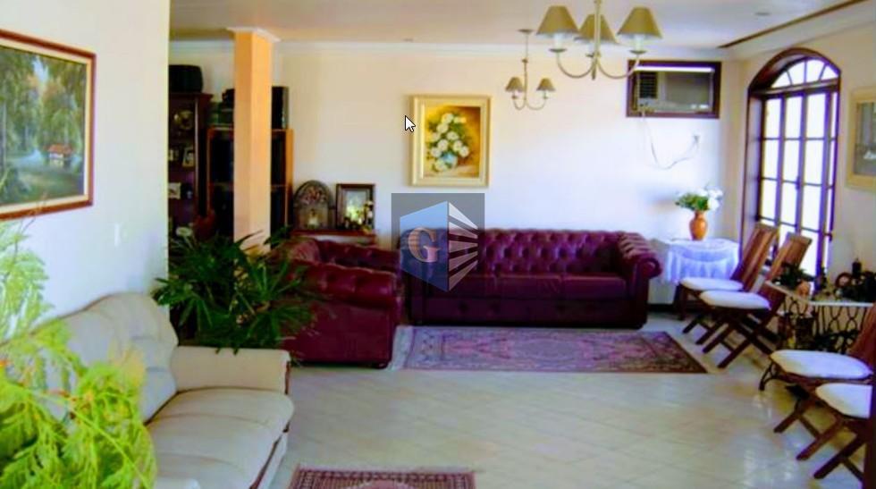 cond.fechado- magnífica casa triplex -700 m² e terreno de 923 m², total segurança, perto do catamarã...