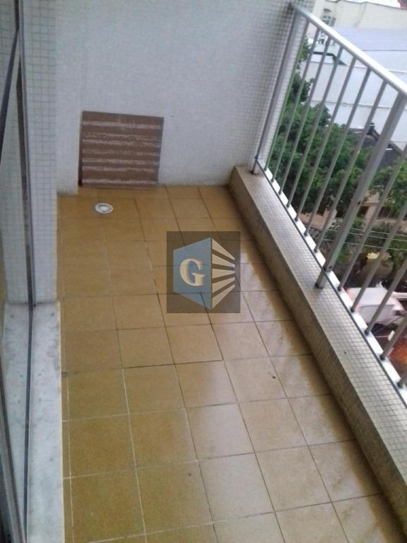 condominio sebring. apto. com 03 quartos, varanda, sala, cozinha ampla, dependencias completas.valor do condomínio e iptu...