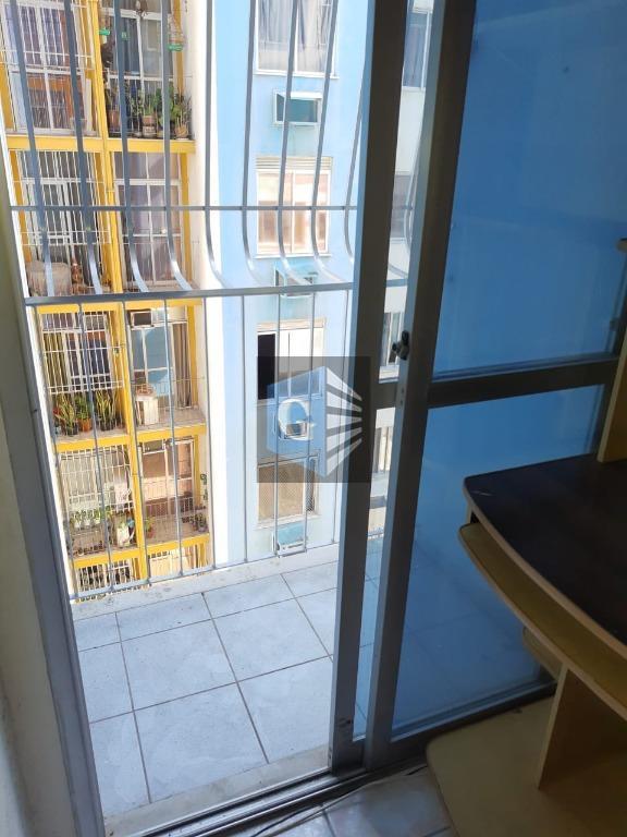 apartamento á venda totalmente legalizado, á 500 metros da ponte, farmácia, mercado, padaria, sacolão, academia, vários...