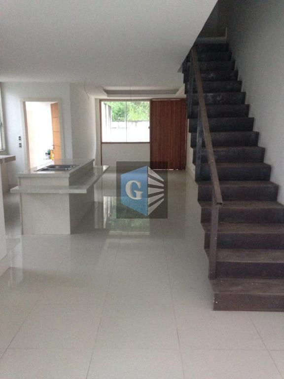 excelente casa duplex em itaipu - 1º locação -125m² piso porcelanato - sala - 3 quartos...