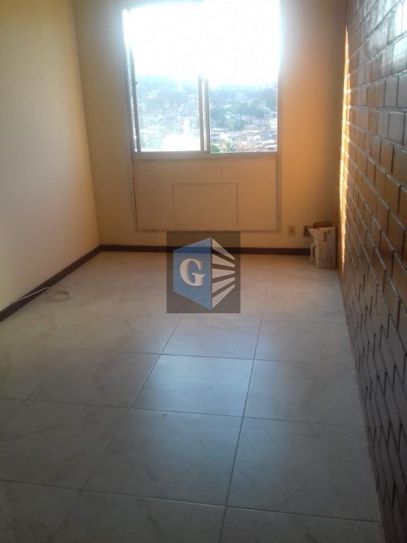 apartamento próximo a joão brasil, na alameda são boaventura, com vasta condução e comércios em entorno...