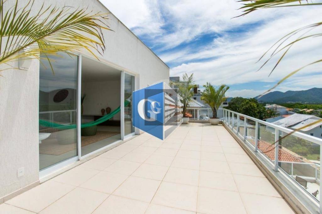 magnífica casa no condomínio ubá camboinhas.construção moderna em estilo contemporâneo, recém construída projeto realizado por arquiteto...
