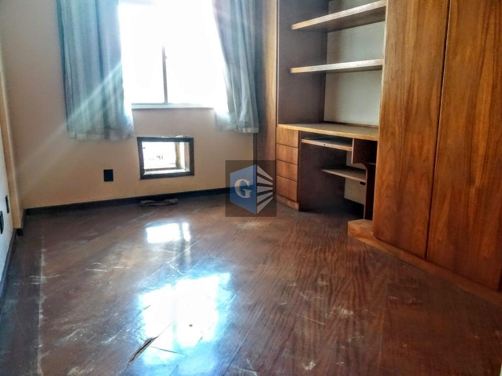 icaraí - fundos - sol da manhã - piso laminado- varanda - sala - 2 quartos...