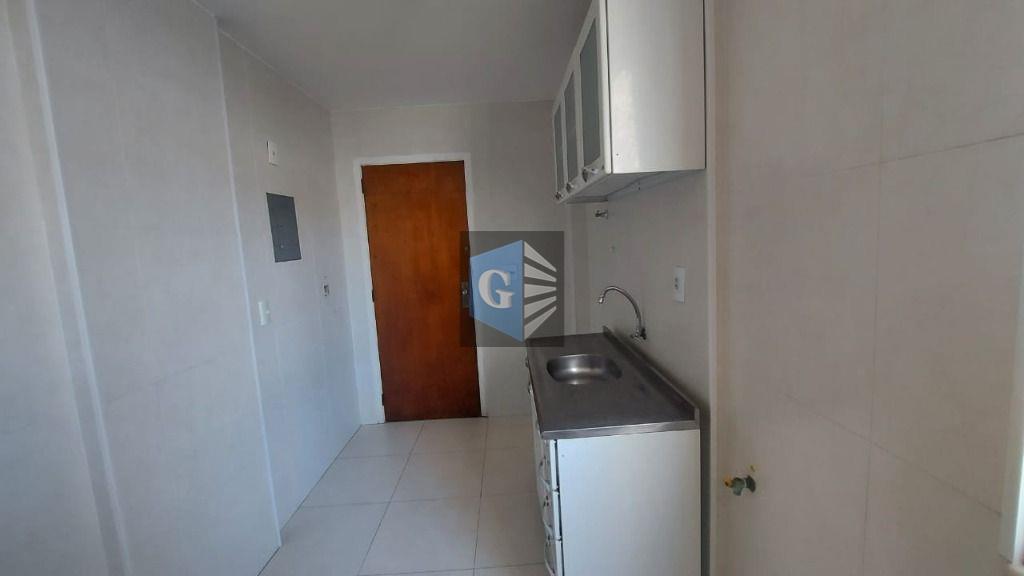 amplo apartamento sala, 2 quartos + 1suíte reversível, banheiro social, cozinha com armários, área de serviço...